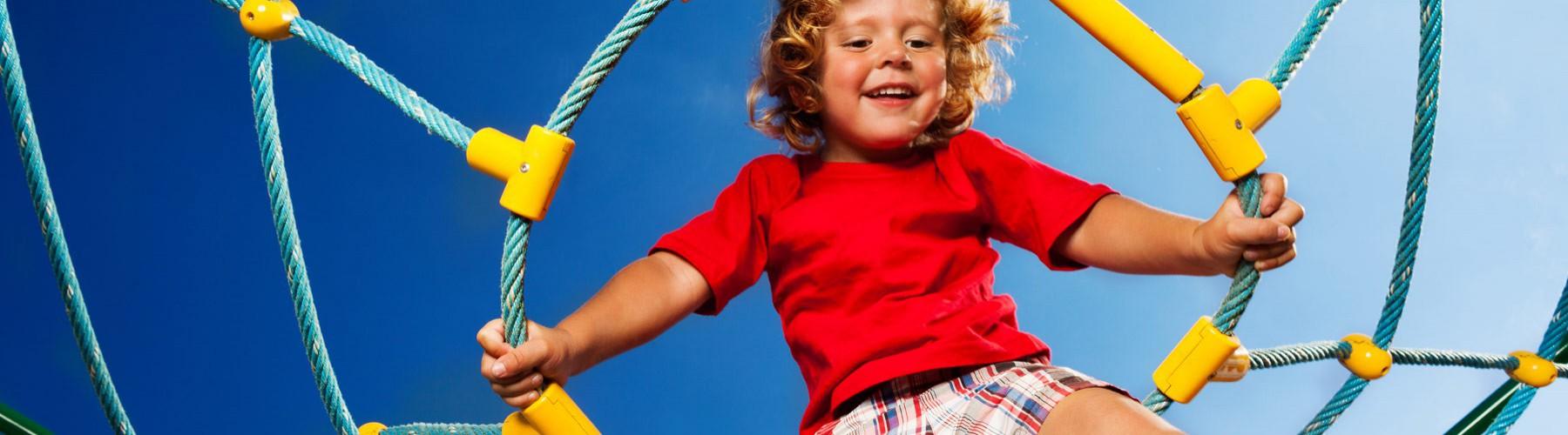 Meedoen aan leuke dingen!  Wij vinden het belangrijk dat jij mee kan doen aan sporten, een schoolreisje of naar muziekles.